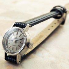 OMEGA/オメガ 18金無垢/18KWG レディース時計 カットガラス シルバーダイヤル 手巻き:画像1