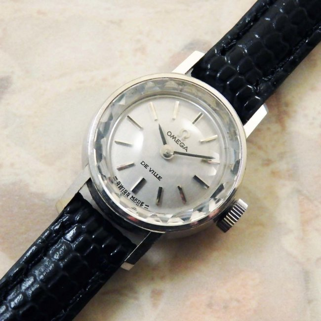 OMEGA/オメガ 18金無垢/18KWG レディース時計 カットガラス シルバーダイヤル 手巻き