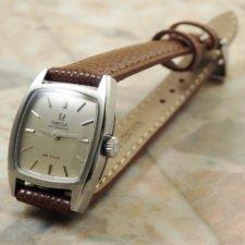 オメガ レディース トノーケース シルバーダイアル アンティーク腕時計:画像1