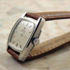 オメガ レディース トノーケース シルバーダイアル アンティーク腕時計:画像2