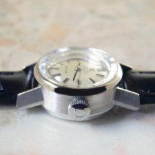 オメガ 金無垢 14KWG/ホワイトゴールド レディースウォッチ プリズム風防 自動巻き式時計:画像2