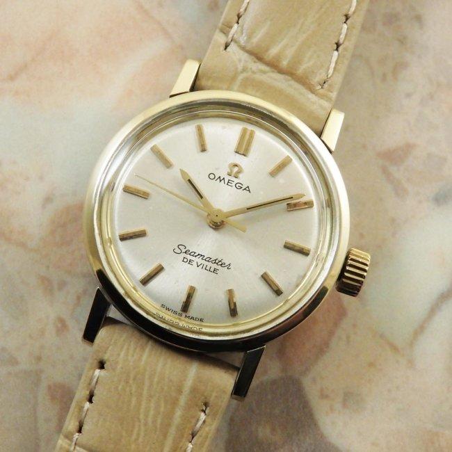 オメガ(OMEGA) シーマスター レディースウォッチ アンティーク 腕時計 金色ベゼル&ラグ ラウンドケース
