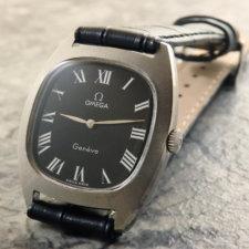 オメガ アンティーク腕時計 黒文字盤 放射ローマン リーフハンド:画像1