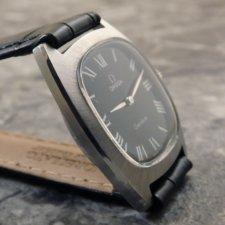 オメガ アンティーク腕時計 黒文字盤 放射ローマン リーフハンド:画像3