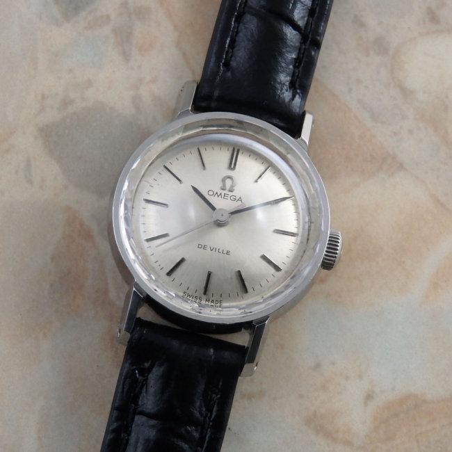 OMEGA 60'S Ladies Cut Glass  オメガ レディース カットガラス アンティーク時計