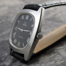 OMEGA アンティーク時計 黒文字盤 放射ローマン リーフハンド:画像2