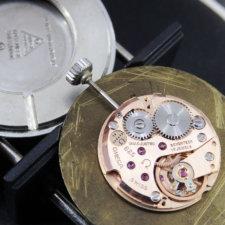 OMEGA アンティーク時計 黒文字盤 放射ローマン リーフハンド:画像5