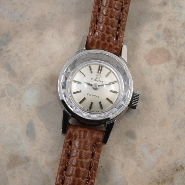OMEGA 70's Ladies Cut Glass