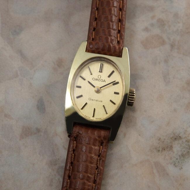オメガ トノー レディース アンティーク 腕時計 Cal.485 511.362