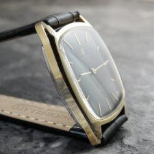 ユニバーサル アンティーク時計 希少 ブラック文字盤:画像3